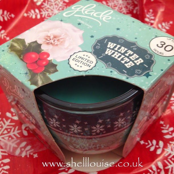 Glade Christmas scents - winter white candle