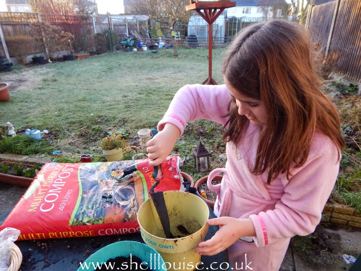 Kaycee planting summer bulbs