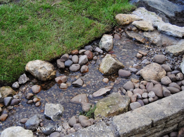 Stream water feature