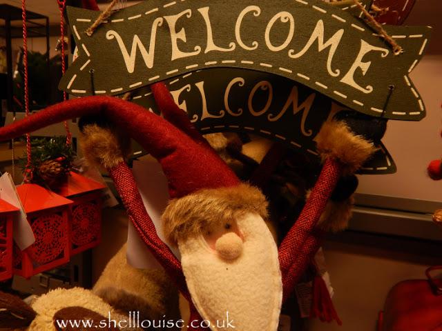 Home Sense Lincoln - Welcome santa hanger