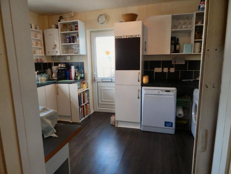 new-floor-in-kitchen-01