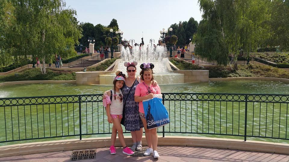 Kellyann, Kaycee and Ella - Disneyland Paris Photos