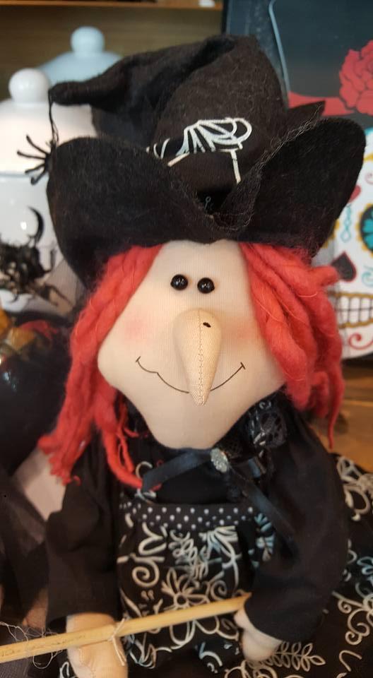 HomeSense Halloween - witch