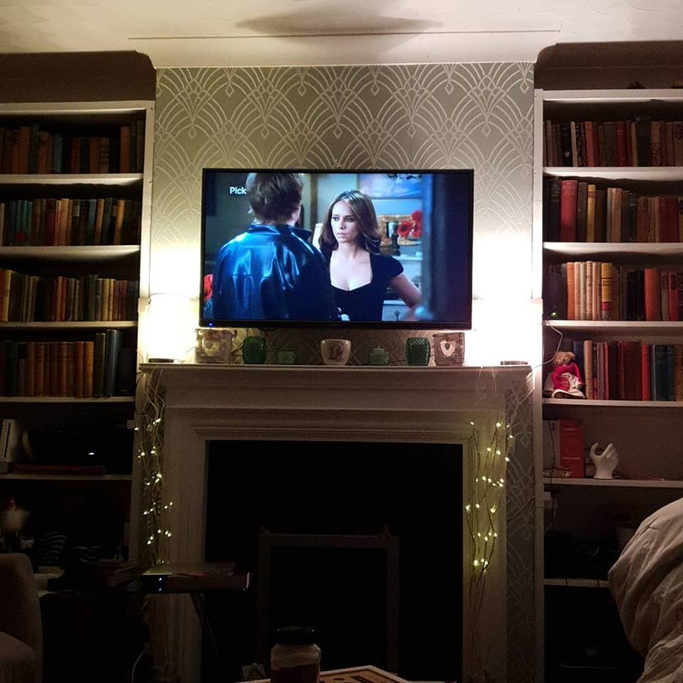 February 2019 1 day 12 pics - Watching Ghost Whisperer