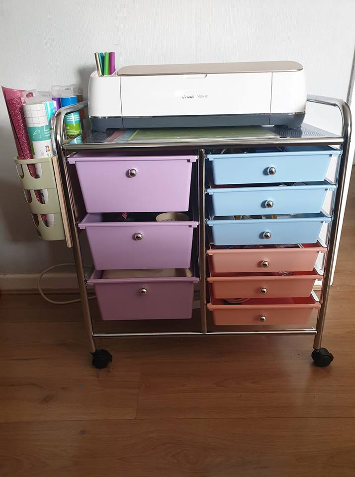 trolley on wheels from Hobbycraft with my Cricut maker on