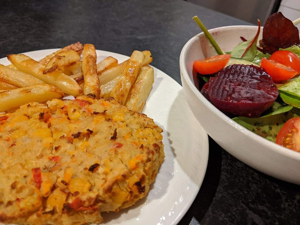 curried veggie burger with chips Slimming World vegetarian recipe